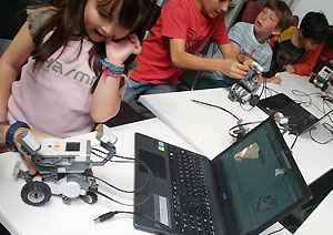 campamentos, cursos, robotica educativa, talleres, tecnologia, ninos, adolescentes, alojamiento, les, lleida
