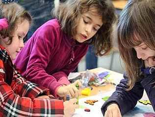 semana de la ciencia y la tecnologia con niñas